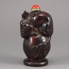 Chinese Ox Horn Snuff Bottle Carved Fortune Beast Dimension: 65*36*33 (mm) 2.56*1.42*1.30 (in) Weight 0.09 lbs/40g Tips about horn sculpture Horn sculpture has a long history. The horn sculpture is usually made of rhino, ox, or etc. Most of ox sculptures look classical, elegant with rough surface.