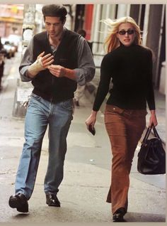Oversized Coat, Messy Hairstyles, Cashmere Sweaters, Parachute Pants, Comfy, Carolyn Bessette Kennedy, Black, Suits, Fall