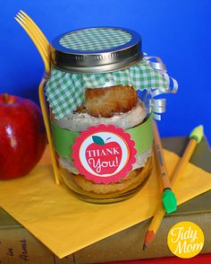 "apple cinnamon cupcakes in a jar as a ""thank you"" gift!"