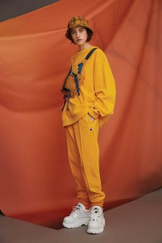 First Look: Urban Outfitters Champions A New Sportswear Approach For Winter First Look: Urban Outfitter Champions The New Mood In Sportswear For Winter Fashion Poses, Girl Fashion, Fashion Outfits, Womens Fashion, Fashion Design, Paris Fashion, Style Fashion, Japanese Street Fashion, Korean Fashion
