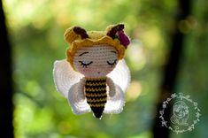 Papillon en papier: Little honey bee - free amigurumi pattern