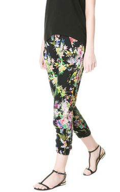 the dark print peg trousers from Zara are a perfect high street alternative to Beyonce's look. pair with a black top and wedges and you are a high street Beyonce at a steal.