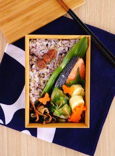 焼き塩酒弁当┃Salt-roasted salmon bento