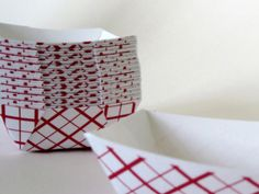 small food tray | 50 Small Retro Red Plaid Food Tray for Parties, Showers or Wedding ...