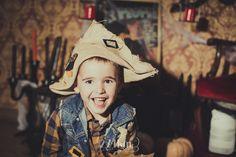 Sesión de fotos infantil de halloween en estudio en barcelona, sesión de fotos halloween, Fotógrafo de niños en Barcelona, photography, 274km, Gala Martinez, Hospitalet, Studio, estudi, estudio, nens, kids, children, ,nen, boy, niño,
