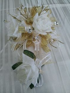 hy vee dance flowers on pinterest prom corsage wrist corsage and boutonnieres. Black Bedroom Furniture Sets. Home Design Ideas