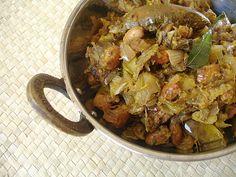 Vankaya Chikkudu Ginjalu Mudda Kura - Brinjal Lima Beans Curry