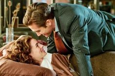 Anne Hathaway and Jake Gyllenhaal in Love and Other Drugs