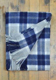 Classic Lambswool Blanket in Silver Bannockbane Tartan