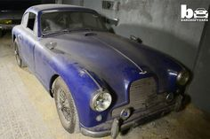 Vintage Aston Martin barn find. A very good day for someone.