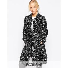 Helene Berman Leopard Tench Coat ($172) ❤ liked on Polyvore featuring outerwear, coats, blackwhite, leopard print coat, white coat, lightweight coats, helene berman and oversized collar coat