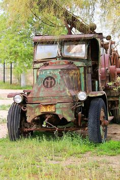 Lee Roy's Mack Rig by Art Block Collections Mack Trucks, Big Rig Trucks, Old Trucks, Chevy Trucks, Vintage Tractors, Vintage Trucks, Antique Trucks, Antique Cars, Man Vs Nature