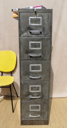 meuble industriel marque ron o 4 tiroirs dossiers suspendus et dossiers suspendus ron o d. Black Bedroom Furniture Sets. Home Design Ideas