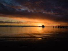 Another gorgeous sunset by Piero Kwong  #fraserbarges #fraserisland #queensland #australia www.fraserislandferry.com.au