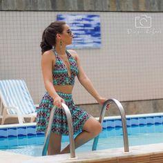 Job  regram @useflordilis Que tal esse look maravilindooo??!!!   Conjunto cropped váaaarios em 1 com short saia!   APENAS 7990   PARCELAMOS ATÉ 3x NO CARTÃO  FOTO: @diegorafael_fotografia  ÓCULOS: @chickaelica  Parceria que já deu certo! Acessem a página deles e vejam quanta coisa massa!  #verao #useflordilis #conjunto #cropped  #shortsaia #moda #fashion #estilo #styling #divo #maravilhoso #carnaval #mulher #roupa #amo #salvador #top #queromuito #estampa #tendencia #decote #feminina…