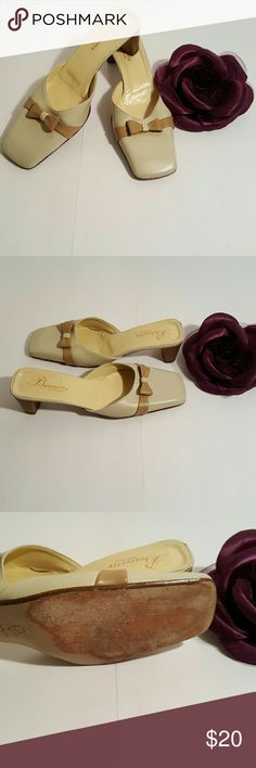 Adorable bow slides Butterfly by Vera Pelle, minor scratches but still adorable shoe. Shoes Flats & Loafers