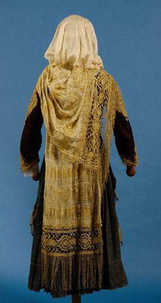 Greek Traditional Dress, Traditional Outfits, Greek Dress, Greek Clothing, Greece, Folk, Greek Costumes, Greek Apparel, Textiles