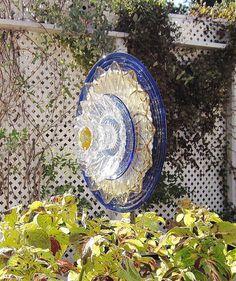 Garden Art Blue Yellow Glass Plate Flower Yard Stake by jarmfarm  KELLI ……………………………………………… By jarmfarm (etsy.com #109545023)