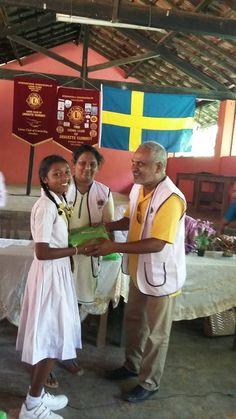 Jawatte Summit (Sri Lanka) & Ume Teg (Sweden) #LionsClubs provided school books to 100 students