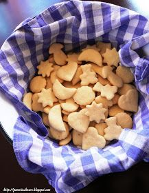POVESTI CULINARE: Biscuiti cu ulei ,un vailing si o cana Baby Food Recipes, Cake Recipes, Fun Cooking, Cereal, Biscuits, Deserts, Ice Cream, Sweets, Cookies