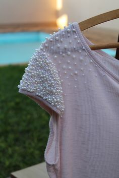 How to make different type of sleeves - Simple Craft Ideas Fashion Details, Diy Fashion, Ideias Fashion, Womens Fashion, Sleeve Designs, Blouse Designs, Diy Kleidung, Couture, Indian Designer Wear