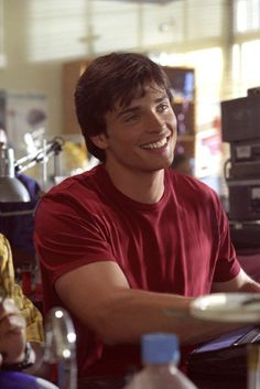 Tom Welling on Smallville// I miss this show!