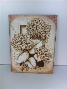 Pyrography - Hydrangeas Wood Burning Patterns, Wood Burning Art, Dremel Projects, Wood Projects, Wood Staining Techniques, Coffee Bean Art, Drawing Scenery, Pyrography Patterns, Wood Artwork