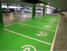De mogelijkheid om elektrische auto's op te laden is bij ons in de garages aanwezig, maar de oplaadpunten zullen pas geplaatst worden bij aanmelding van een elektrsiche auto van de bewoners. Richard Cirkel