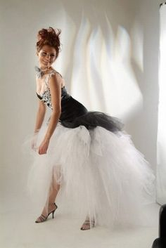 robe de mariee originale de couleur recherche google robe mari e pinterest robe. Black Bedroom Furniture Sets. Home Design Ideas