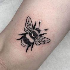 Dainty Tattoos, Pretty Tattoos, Mini Tattoos, Cute Tattoos, Cute Owl Tattoo, Cute Little Tattoos, Tatoos, Finger Tattoos, Body Art Tattoos