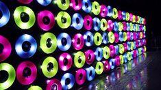 Floating Lights - Fête des Lumières 2012, Lyon (France) Les 200 flotteurs-interrupteur colorés disposés de façon géométrique…
