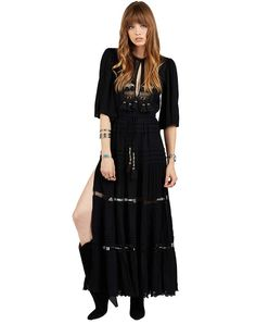 - Crinkle rayon maxi dress - Tassle detailing - Elastic waist - Model is wearing size Small - Measurements: 60in length, 15.5in bust, 17in sleeves RESPONSIBILITY All of Cleobella's products are made b