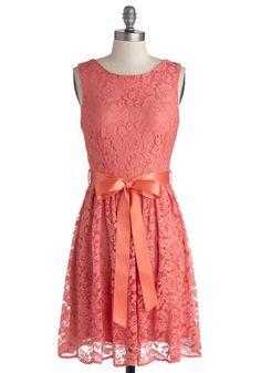 Vestido de fiesta en coral