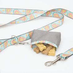 Take your dog for a stroll with our dog leash and treat pouch tutorial. Free video tutorial and pattern.