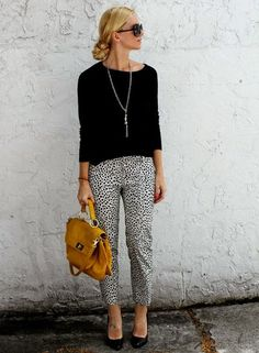 Trendy Business Casual Work Outfits For Casual work attire Casual Office Attire, Casual Chic Outfits, Work Casual, White Outfits, Casual Blazer, Casual Work Clothes, Office Clothes Women, Office Style Women, Casual Work Outfit Winter