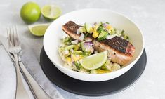 Jerk Salmon Bowl with Cauliflower Rice and Mango Salsa Lamb Recipes, Seafood Recipes, Asian Recipes, Vegetarian Recipes, Dinner Recipes, Jerk Salmon, Fresh Bowl, Pork Cutlets, Low Sodium Recipes