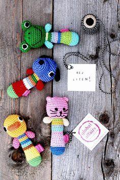 DIY Free crochet pattern for baby rattles