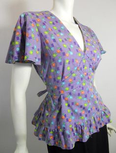 Lengthened to an apron or a housedress?  Wouldn't this be divine?  So cute!  (1930s)