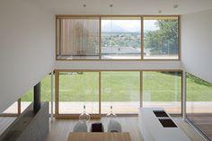 Haus DB Klaus — ARCHITEKTUR Jürgen Hagspiel Concrete Wood, House On A Hill, Villa, Windows, Architecture, Interior, House Ideas, Houses, Container