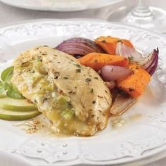 APPLE & BRIE STUFFED CHICKEN BREAST WITH HERBED WHITE WINE SAUCE - Family Fare
