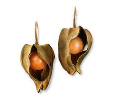 Hemmerle 'Physalis' earrings – melo pearls, gold