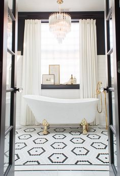 Master Bathroom Renovation Inspiration - classic and modern black white and marble master bathroom, gold fixtures, high contrast, border til - Black White Bathrooms, White Bathroom Tiles, Bathroom Flooring, Modern Bathroom, Small Bathroom, Bathroom Ideas, Black And White Master Bathroom, Bathroom Showers, Minimalist Bathroom