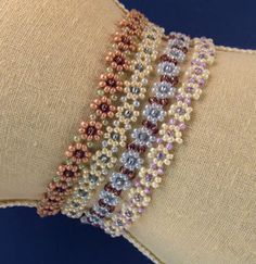Sandra D Halpenny - Daisy Chain Necklace or Bracelet Pattern - Nice colors for fall.  #Seed #Bead #Tutorials