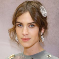 BAZAAR's beauty expert reveals the tricks and must-have products behind the prettiest hair and makeup looks on the red carpet. Click through to see all the stunning celebrity beauty looks: Alexa Chung.