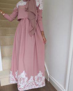 Pin by Inas Ezzat on fashion, chic, outfit hijab - Hijab Islamic Fashion, Muslim Fashion, Modest Fashion, Fashion Dresses, Hijab Outfit, Hijab Dress, Kimono Abaya, Abaya Designs, Mode Turban