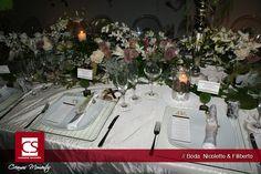 mesa imperial se personalizo el menu y el nombre de cada invitado en su lugar