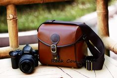 Handmade Leather DSLR/SLR Camera Bag in Red Brown