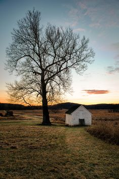 Valley Forge National Park - Pennsylvania - USA (by Garen Meguerian) Nature Pictures, Cool Pictures, Beautiful Pictures, Great Places, Places To See, Amazing Places, Landscape Photography Tips, Nature Photography, Beautiful World