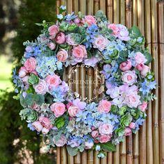 Silk flowers Silk Flowers, Floral Wreath, Wreaths, Diy, Inspiration, Decor, Biblical Inspiration, Floral Crown, Decoration