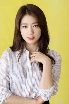 ❤Park Shin Hye 박신혜 ❤ Upcoming Movie Alone will start shooting Korean Actresses, Korean Actors, Actors & Actresses, Park Shin Hye, Korean Celebrities, Celebs, Heirs Korean Drama, J Park, Messy Wedding Hair